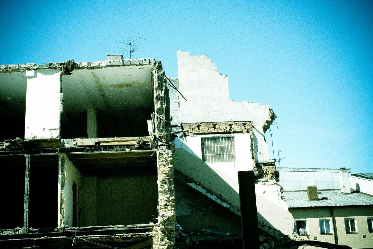 demolition-606992_1280