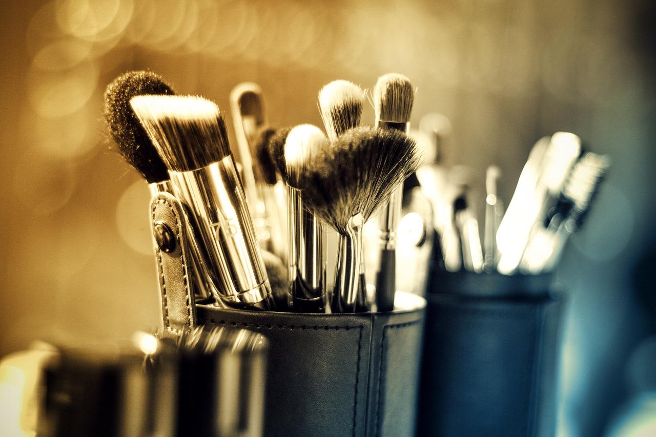 makeup-1289325_1280