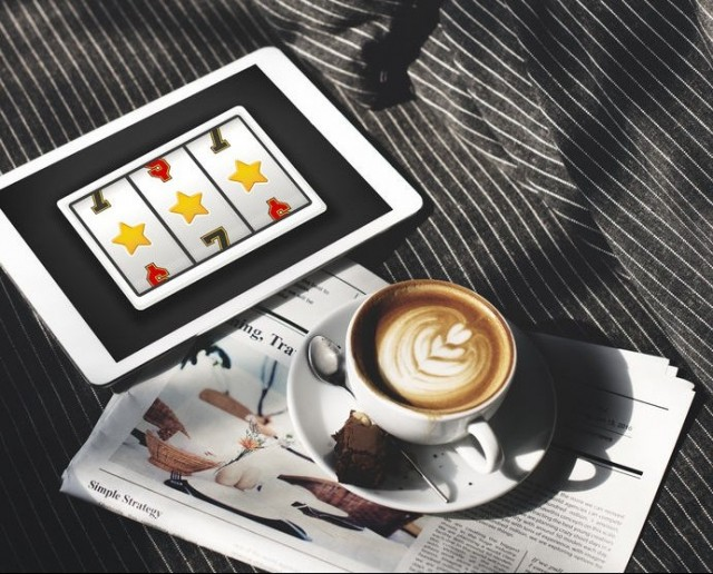 68576579 - online casino luck concept