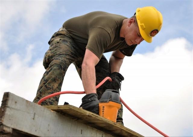 worker-635755_960_720