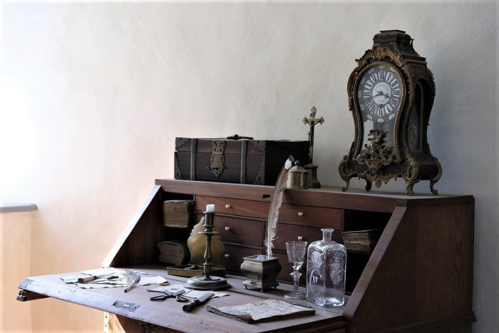 Whether ... - How To Buy And Sell Antiques For Profit Home Business Magazine
